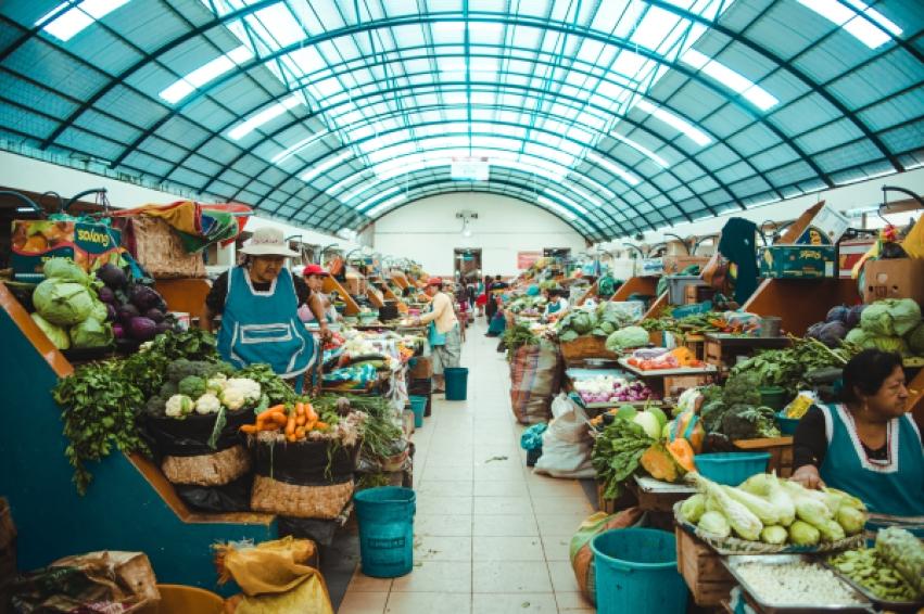 Things to do in Cuenca, Ecuador | ecuador travel guide | Cuenca mercado agosto food market