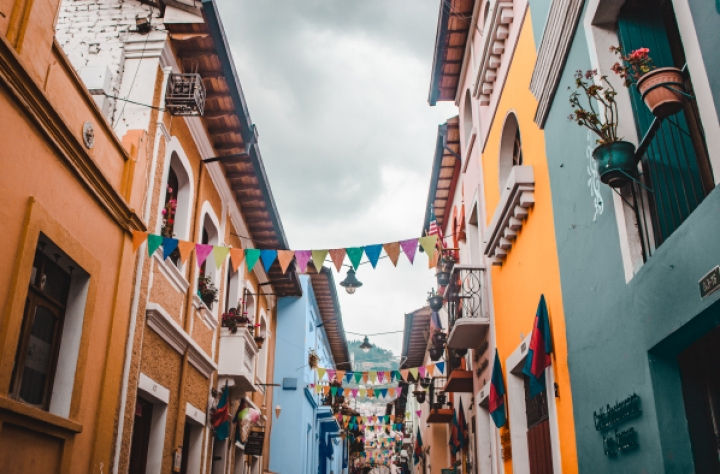 calle la ronda quito ecuador streets travel guide tips where to stay go visit what to do