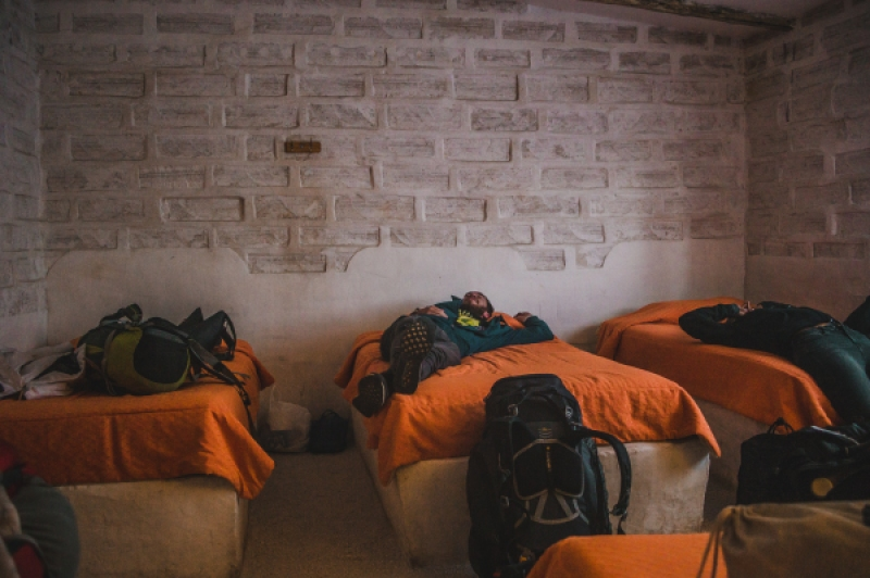 How to book a hostel tips what to look for booking.com hostelworld advice filters reviews guide salt hostel bolivia