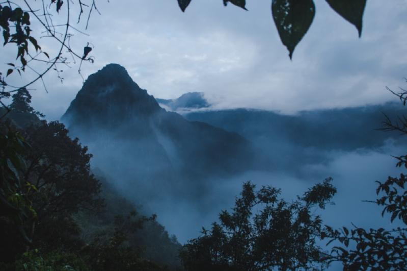 Machu Picchu from Cusco hidroelectrica to aguas calientes machu picchu trek trail hike walk along rail train tracks in peru cheapest way to get to machu picchu